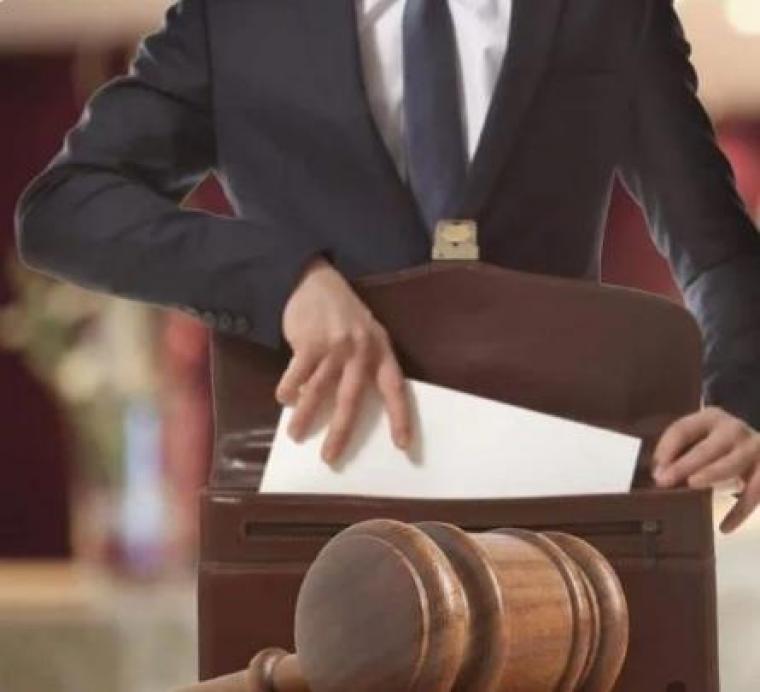 وکیل دادگستری پاسخگو 24 ساعته