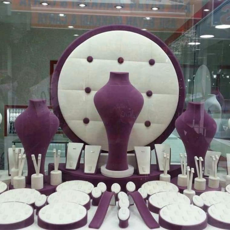 تولید ویترین و دکوراسبون طلا و جواهر فروشی